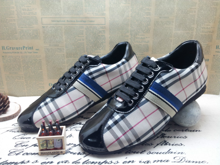 homme chaussures Burberry Burberry cher pas homme soldes chaussures 851qwRq 597d550039b