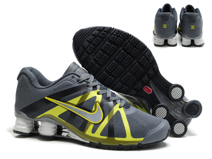 new style e7032 6f224 nike shox roadster 12 hommes schuhe 2013 new style gris jaune