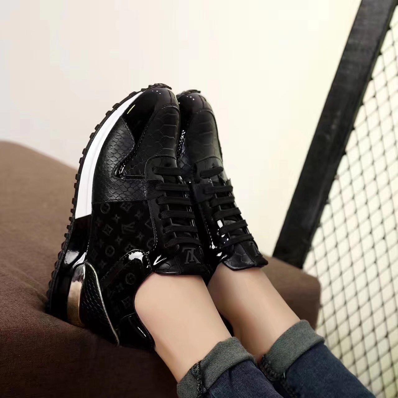 79.00EUR, Louis vuitton shoes women - page1,louis vuitton new pattern women  leisure sports shoes embossing 3fad6e03b5f9
