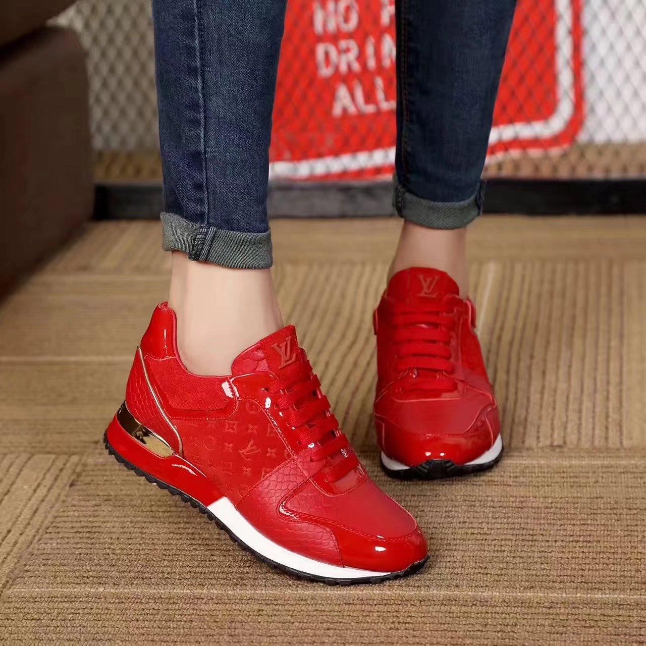 79.00EUR, Louis vuitton shoes women - page3,louis vuitton new pattern women  leisure sports shoes embossing b839ee74c312