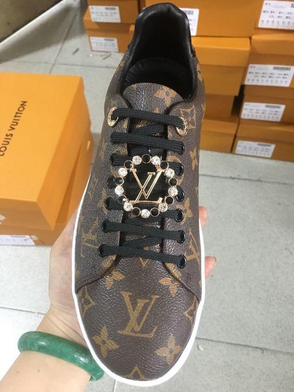 lowest price 025cd 60dc7 69.90EUR, louis vuitton Homme Chaussures - page5,chaussures neuves louis  vuitton classic flower