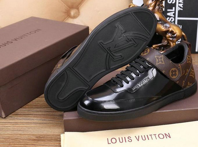 chaussures louis vuitton tennis style patent leather Luxe vedette PARIS  style www.sac-lvmarque.com 52448f7753c