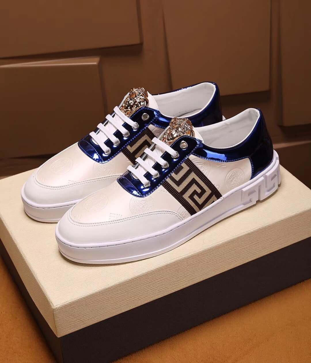 2f5f70009aa5 95.00EUR, VERSACE chaussures homme femme,Versace Baskets City,Versace Jeans  chaussure - page4,chaussures