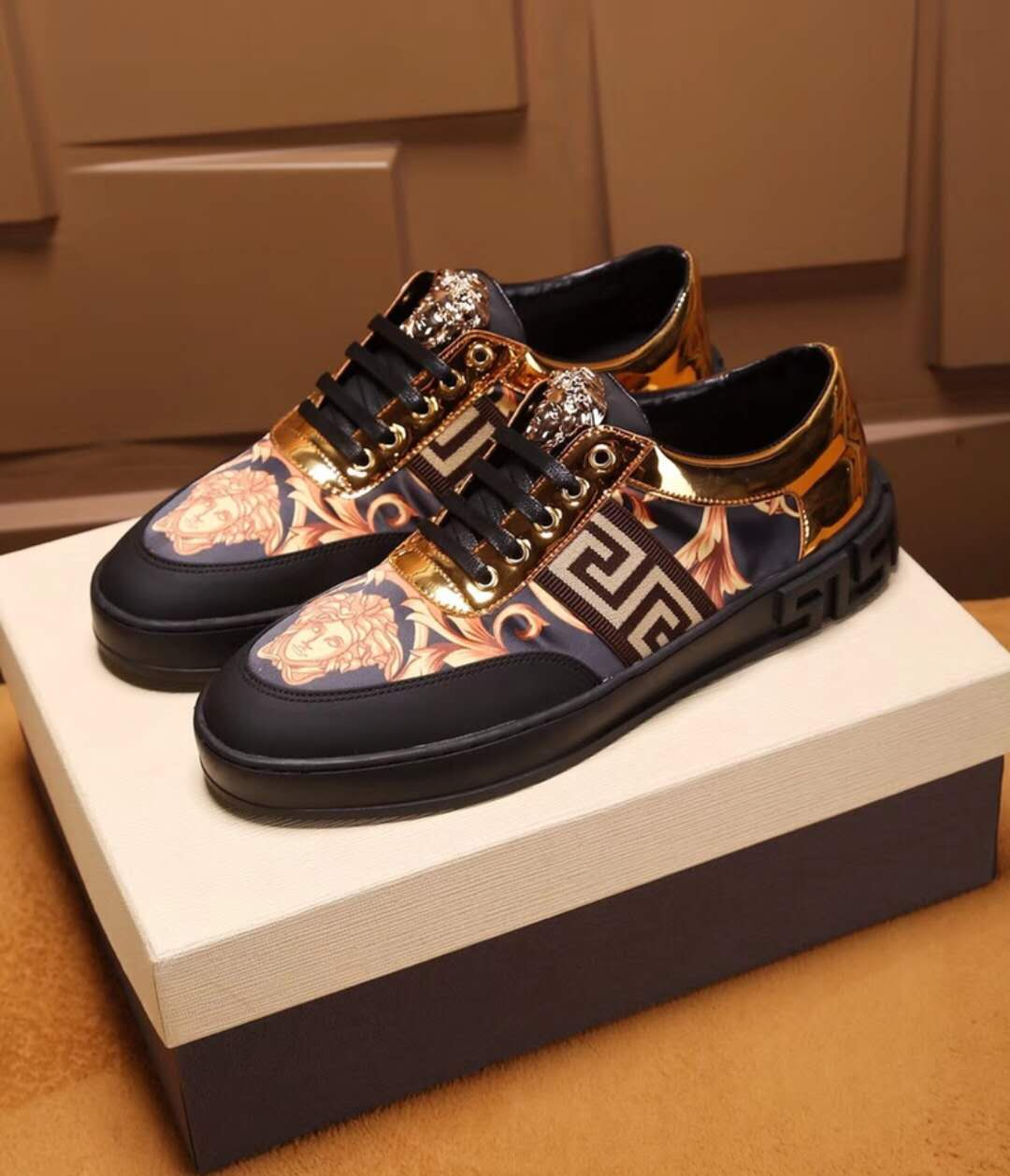 ac9c788e4241 71.00EUR, VERSACE chaussures homme femme,Versace Baskets City,Versace Jeans  chaussure - page4,chaussures